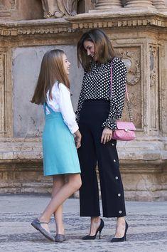Queen Letizia of Spain in Spanish Royals Attend Easter Mass in Palma de Mallorca - Zimbio