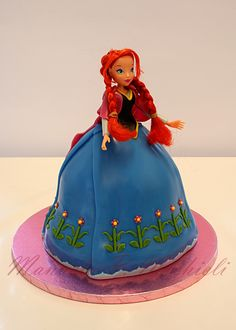 Disney+Themed+Cakes+-+Frozen+-+ANNA+-+three+cakes+(21,+19+and+18+cm+diameter+,+H+8+cm)+stacked+to+get+the+dress+base+decorated+then+by+sugar+paste