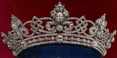 Tiara Mania: Wedding Parure Tiara by Garrard