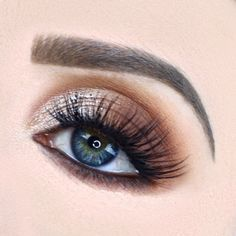Half Cut Crease Makeup Tutorial by Abbey Smelter. Makeup Geek Eyeshadow in Cocoa Bear, Creme Brulee, Frappe, Latte, and Peach Smoothie. Makeup Geek Foiled Eyeshadow in Starry Eyed.