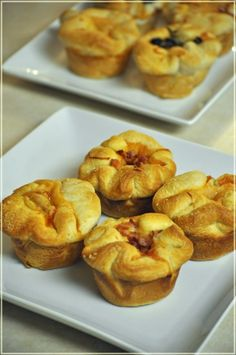 Easy Entertaining Recipe for the Holidays: Garlic Parmesan Pizza Biscuit Cups - Mommy's Fabulous Finds