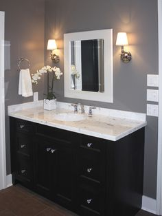 cabinet design Jack And Jill Traditional Bathroom Design, Pictures, Remodel, Decor and Ideas - page 76 Dark Gray Bathroom, Dark Bathrooms, Dark Vanity Bathroom, Bathroom Vanities, Master Bathroom, Bathrooms With Gray Walls, Paint Bathroom, Relaxing Bathroom, Vanity Basin
