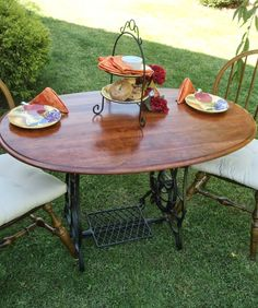 Redo It Yourself Inspirations : Treadle Sewing Machine Upcycle