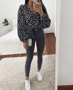 casual outfits for winter ; casual outfits for women ; casual outfits for work ; casual outfits for school ; Mode Outfits, Jean Outfits, Fashion Outfits, School Outfits, Outfits With Black Jeans, Fashion Tips, Spring Outfits, Winter Outfits, Spring Wear