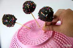 Imagen titulada Make a Cake Pop Holder Step 15