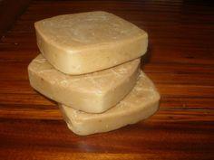 savon_rayon_de_miel_brut Make Beauty, Beauty Care, Diy Savon, Soap Recipes, Brin, Handmade Soaps, Totalement, Artisan, Homemade