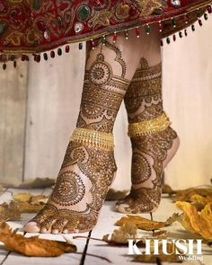 Intricate mehndi perfect for the bride of the moment by Lali Creations/Henna by… Mehndi Designs Feet, Legs Mehndi Design, Mehndi Designs 2018, Mehndi Design Images, Beautiful Mehndi Design, Heena Design, Mehandi Images, Tattoo Designs, Dulhan Mehndi Designs