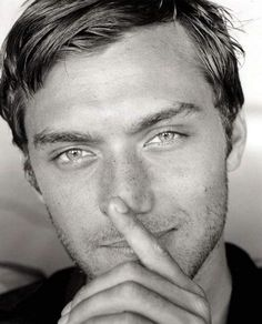 Jude Law  those eyes..........