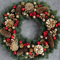 Christmas holidays often come with joy and happiness. This can be emphasized with a bunch of DIY Christmas wreaths to make the holiday complete. The design to choose from when it comes to putting a Christmas wreath on the doorstep should be the best and most unique of them all. We will look at some of the designs one can choose from when it comes to making one. Christmas Wreaths To Make, Gold Christmas, Holiday Wreaths, Rustic Christmas, Christmas Holidays, Christmas Crafts, Christmas Island, Christmas 2019, Christmas Music
