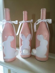 45 Festive Indoor Easter Decoration Ideas and Projects - HERCOTTAGE We want you to have the best of the décor in your neighborhood. Therefore we bring you these Festive Indoor Easter Decoration Ideas and Projects! Wine Bottle Art, Painted Wine Bottles, Wine Bottle Crafts, Decorate Wine Bottles, Glass Bottles, Beer Bottle, Bunny Crafts, Easter Crafts, Kids Crafts