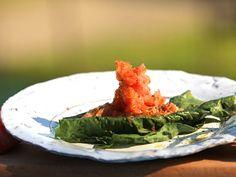 Rökt öring med asiatisk nypotatissallad | Recept från Köket.se