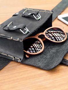 pochete couro preto feita artesanalmente