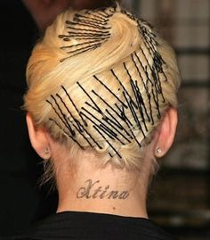 Hairstyles with bobby pins easy hairstyles with bobby pins. but it super duper ugly never ever wear your . easy hairstyles with bobby pins. but it super duper ugly never ever wear your hair like this ok Bobby Pin Hairstyles, Fancy Hairstyles, Vintage Hairstyles, Retro Updo, Ear Hair Trimmer, High Fashion Makeup, Hair Grips, Pin Curls, Christina Aguilera