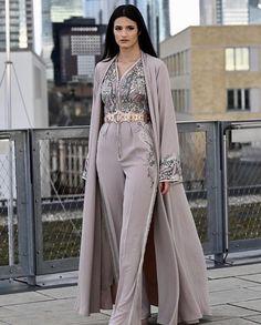 Hijab Fashion 363806476147970743 - Romeo haute couture Source by sestsuka Abaya Fashion, Muslim Fashion, Modest Fashion, Indian Fashion, Fashion Dresses, Moroccan Kaftan Dress, Caftan Dress, Mode Abaya, Moda Chic