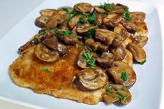 Diabetic Recipe: This light chicken marsala recipe has all the flavor without all the calories! Serves four. Ingredients: cup flour tsp basil t. Diabetic Recipes, Low Carb Recipes, Cooking Recipes, Healthy Recipes, Easy Recipes, Diabetic Menu, Diabetic Snacks, Healthy Foods, Stitch Fix