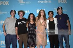 """TEEN CHOICE AWARDS 2000: The team from TV series, """"That '70s Show""""."""