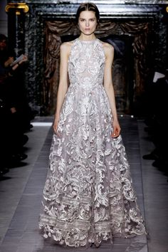 Valentino Spring 2013 Couture #wedding gowns #Wedding Inspirasi#weddingdress #bridal #ウエディングドレス#ブライダル