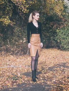 Leather Skirt, Skirts, Fashion, Moda, Leather Skirts, Fashion Styles, Skirt, Fashion Illustrations