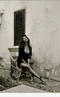 Sofia Loren, the beauty of Sicilian women Black White Photos, Black And White Photography, Sicilian Women, Foto Glamour, Portrait Photography, Fashion Photography, Italian Beauty, Italian Art, Classic Beauty