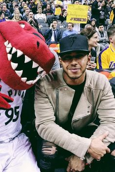 1ea328547a72 Lewis Hamilton - Sitting court side at the Raptors vs. Lakers game on