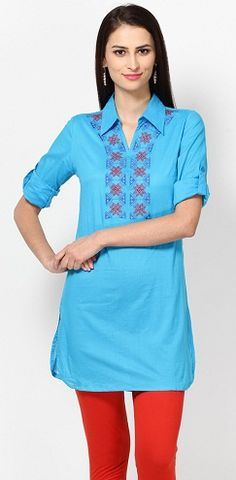 In this article, we shall guide you on 30 popular neck designs for Salwar Kameez dresses. Take a look at each of them and learn some style tips from out experts! Punjabi Salwar Suits, Designer Punjabi Suits, Salwar Kameez, Patiala, Designer Sarees, Salwar Neck Designs, Kendall Jenner Outfits, Victoria Dress, Red Carpet Dresses