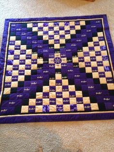 The definitive Crown Royal Bag quilt . Quilting Projects, Quilting Designs, Sewing Projects, Diy Projects, Quilting Ideas, Sewing Ideas, Crown Royal Quilt, Crown Royal Bags, Shirt Quilt