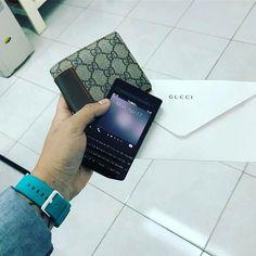 "#inst10 #ReGram @_harrytri_: Gucci x Porsche Design #gucci #porschedesign #blackberry #p9983 #p9983graphite ...... #BlackBerryClubs #BlackBerryPhotos #BBer ....... #OldBlackBerry #NewBlackBerry ....... #BlackBerryMobile #BBMobile #BBMobileUS #BBMibleCA ....... #RIM #QWERTY #Keyboard .......  70% Off More BlackBerry: "" http://ift.tt/2otBzeO ""  .......  #Hashtag "" #BlackBerryClubs "" ......."