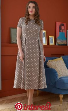 Curvy Girl Fashion Outfits, Plus sized clothing, fashion tips, plus size fall wardrobe and refashion. Fall and Autmn Fashion Outfits Trends for Plus Size. Stylish Dresses, Simple Dresses, Plus Size Dresses, Elegant Dresses, Beautiful Dresses, Casual Dresses, Short Dresses, Frock Fashion, Fashion Dresses