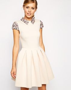 ASOS - Prom dress con colletto decorato