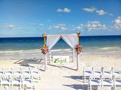 #BeachWedding #MayanRivierawedding  Venue: Now Sapphire Hotel Contact us: ventas@floreriazazil.com www.floreriazazil.com#cancunflorist