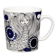 Arabia's Pastoraali mug is adorned with the organic pattern Esteri Tomula designed in 1965. Pastoraali, featuring human characters among flora, was given a deep shade of blue since the new silk screen-printing technique allowed the use of bright colours.