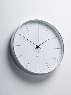 Habitat Wanduhr wandkings wanduhr clock mit uhrwerk uhrzeigern farbe uhr