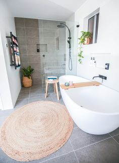 Bathroom styling | @diyshelley