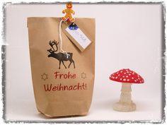 Geschenkverpackungen - Geschenktüte Frohe Weihnacht! mit Elch - ein Designerstück von Nanoe bei DaWanda