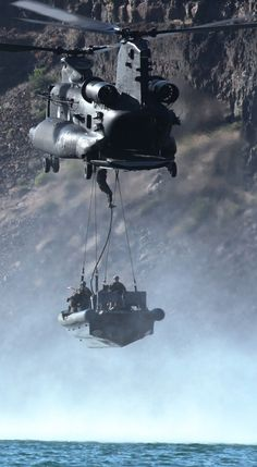 Getting Special Forces there with 160th SOAR Night Stalkers (57 HQ Photos)