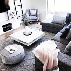 9 comfy scandinavian minimalist living room ideas for small apartment 8 Living Room Grey, Small Living Rooms, Home Living Room, Living Room Decor, Scandinavian Minimalist Living Room, Interior Design Living Room, Living Room Designs, Muebles Living, Ideas Hogar