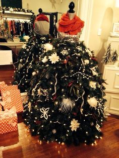 Our Sassy Holiday Christmas Mannequin Tree 2013