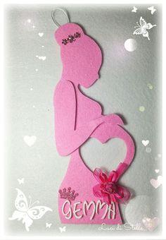 """Porta ecografia dolce attesa da parete,realizzata in feltro color rosa,dettagli in gomma crepla. Per conservare un magico momento!   Creato su richiesta per la mamma della piccola Gemma! 🌸  ❤ """"C'è un momento nella vita in cui cade ogni ombra di dubbio sulla grandezza e la magnificenza di questa nostra esistenza.La prima volta che si ascolta un cuore che batte nel ventre materno.""""❤"""