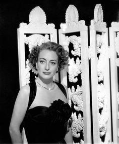 Joan Crawford 1946