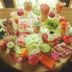 A sweet wedding candy buffet will really treat your guests in your wedding reception. Wedding candy buffet comes in several colors like green, red and pink. Candy Table, Candy Buffet, Cookie Buffet, Candy Dishes, Wedding Candy, Wedding Favors, Wedding Ideas, Party Favors, Wedding Inspiration