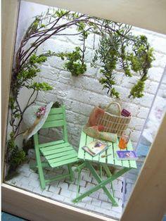 Las ventanas de MiniManie: Patio lateral Vitrine Miniature, Miniature Rooms, Miniature Furniture, 3d Wall Art, Fairy Doors, Shadow Box Frames, Outdoor Furniture Sets, Outdoor Decor, Bottle Crafts