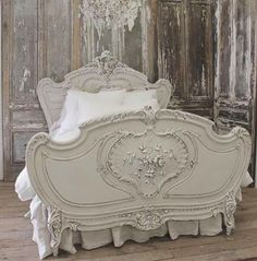 Antique Furniture Victorian French Country 23 Ideas For 2019 Shabby Chic Bedrooms, Shabby Chic Furniture, Shabby Chic Decor, Country Furniture, Antique Beds, Antique Furniture, Painted Furniture, Furniture Design, French Bed
