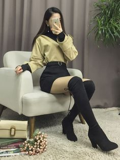 Style skirt outfits like you would be comfortable wearing it skirt lenght wise. Style skirt outfits like you would be comfortable wearing it skirt lenght wise. Edgy Outfits, Korean Outfits, Cool Outfits, Fashion Outfits, Diy Korean Clothes, Fashion Boots, Ulzzang Fashion, Kpop Fashion, Korea Fashion