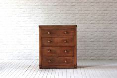 Victorian satin walnut chest of drawers.   Two short over three long drawers  Fully restored (sanded, sealed & waxed)