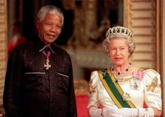 Queen Elizabeth turns her life in photos - South African President Nelson Mandela stands with Queen Elizabeth II on his arrival at Buckingham Palace for a state banquet in his honor in Hm The Queen, Royal Queen, Save The Queen, Reign, Queen And Prince Phillip, Prince Philip, English Royal Family, First Black President, Black Presidents