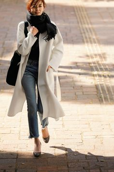 Minimal Fashion Style Tips. Minimal fashion Outfits for Women and Simple Fashion Style Inspiration. Minimalist style is probably basics when comes to style. Autumn Fashion Grunge, Winter Fashion Outfits, Fashion Pants, Autumn Winter Fashion, Love Fashion, Womens Fashion, Fall Fashion, Simple Outfits, Casual Outfits