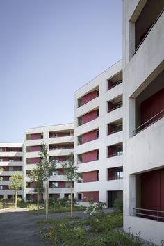Luca Selva . Südkurve  60 cooperative apartments . Zurich (1) Concrete Architecture, Art And Architecture, Building Exterior, Building Design, Arch House, Student House, Social Housing, Ikon, Home Projects
