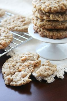 Toasted Coconut Oatmeal Scotchies -- if you love coconut, you have to ...