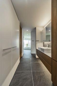 五日市の家 - 注文住宅事例|リノベーション・リフォーム、注文住宅ならSUVACO(スバコ) Wc Public, New Toilet, Toilet Design, Bathroom Toilets, House Layouts, Bathroom Interior Design, Bathroom Flooring, Interior Design Inspiration, Living Room Designs