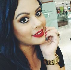 A @maricoliveiraa, da NYX do Parque Shopping Maceió,usando o Soft Matte Lip Cream Monte Carlo.